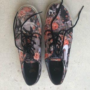 Nike Floral Janoski